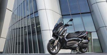 2019-Yamaha-XMAX300ASP-EU-Sword_Grey-Static-002