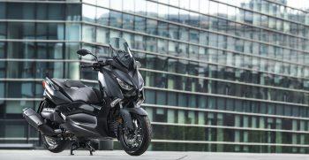 2019-Yamaha-XMAX400ASP-EU-Sword_Grey-Static-003-03