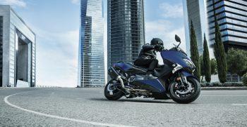 2019-Yamaha-XP500SXSE-EU-Phantom_Blue-Action-005-03