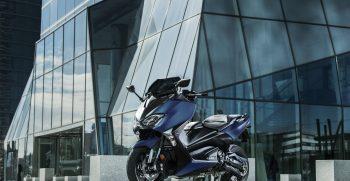 2019-Yamaha-XP500SXSE-EU-Phantom_Blue-Static-003-03