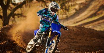 2021-Yamaha-YZ65-EU-Icon_Blue-Action-001-03