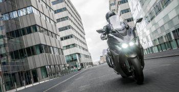 2021-Yamaha-XP500ADXSV-EU-Tech_Graphite-Static-014-03